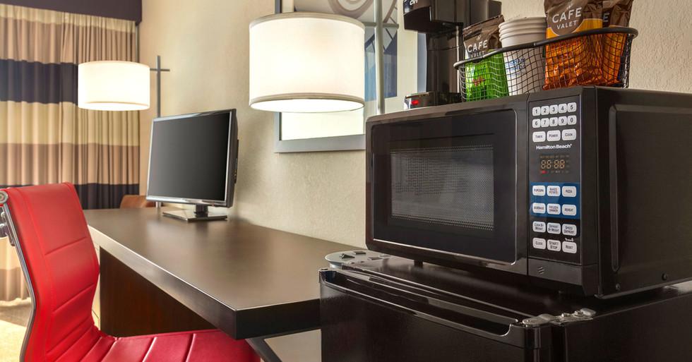 Ramada-Sarasota---Desk-Waterview.jpg