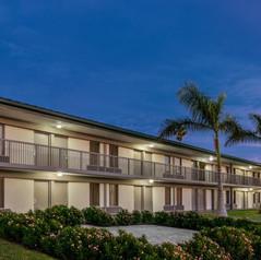 Ramada Sarasota - Exterior - 1360709.jpg