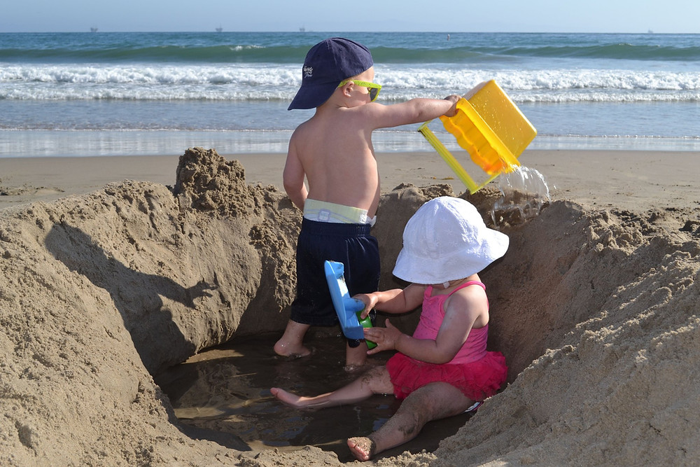 Simple Beach Games To Keep Kids Entertained For Hours