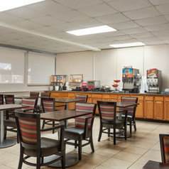 Ramada Sarasota - Breakfast Area - 1360728.jpg