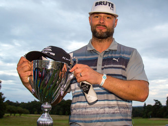 Konyk and O'Grady do Yorkshire proud in Longest Drive comps