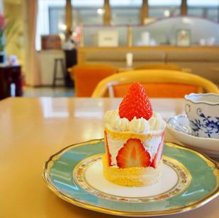 旬のイチゴのケーキ