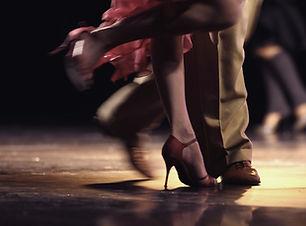 美脚ダンス