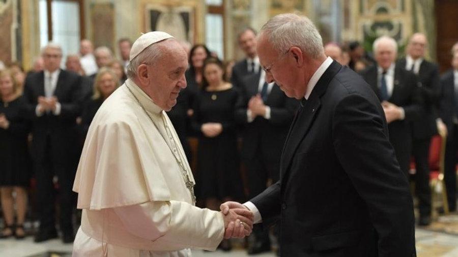 Pope praises Knights