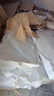 Biten/torn records of names