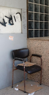 The lira and the chair
