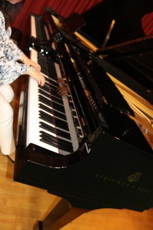 Graves piano and organ