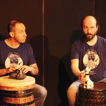 Fred Bardel et fred Lavial (conteur), et zou et glou - theatre d'objets et chansons