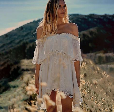 Bohemian Bride_Kathryn_Short_Front.jpg