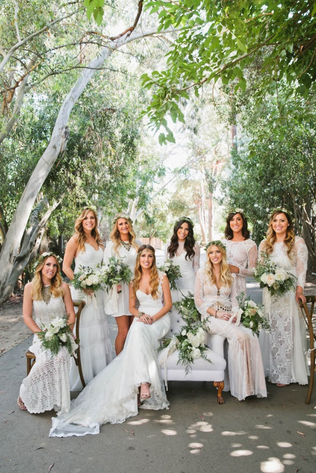 ACCESSORIES FOR A BOHEMIAN WHITE WEDDING