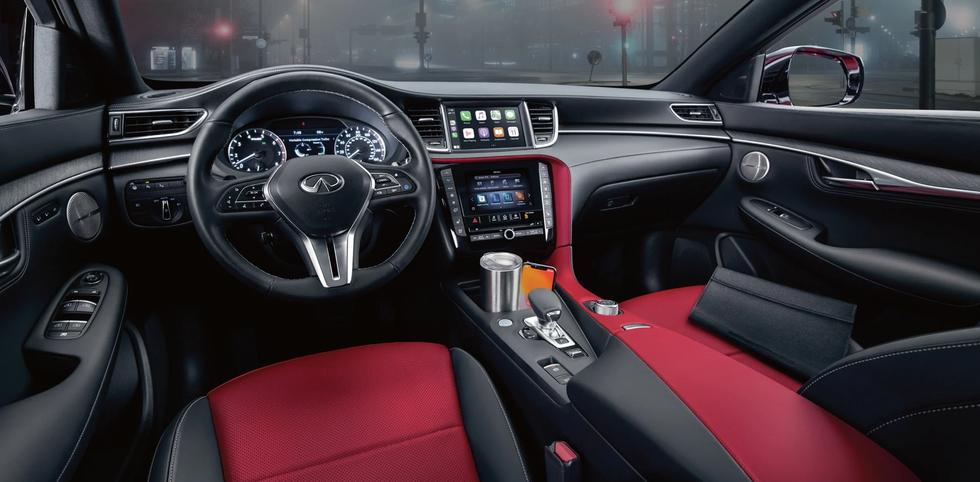 2022-infiniti-qx55-interior-front-seats.webp