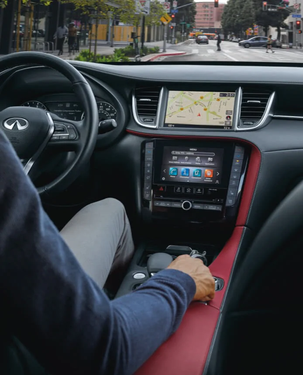 2022-infiniti-qx55-interior-steering-wheel-intouch.webp