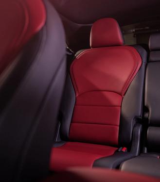 2022-infiniti-qx55-rear-seats.webp