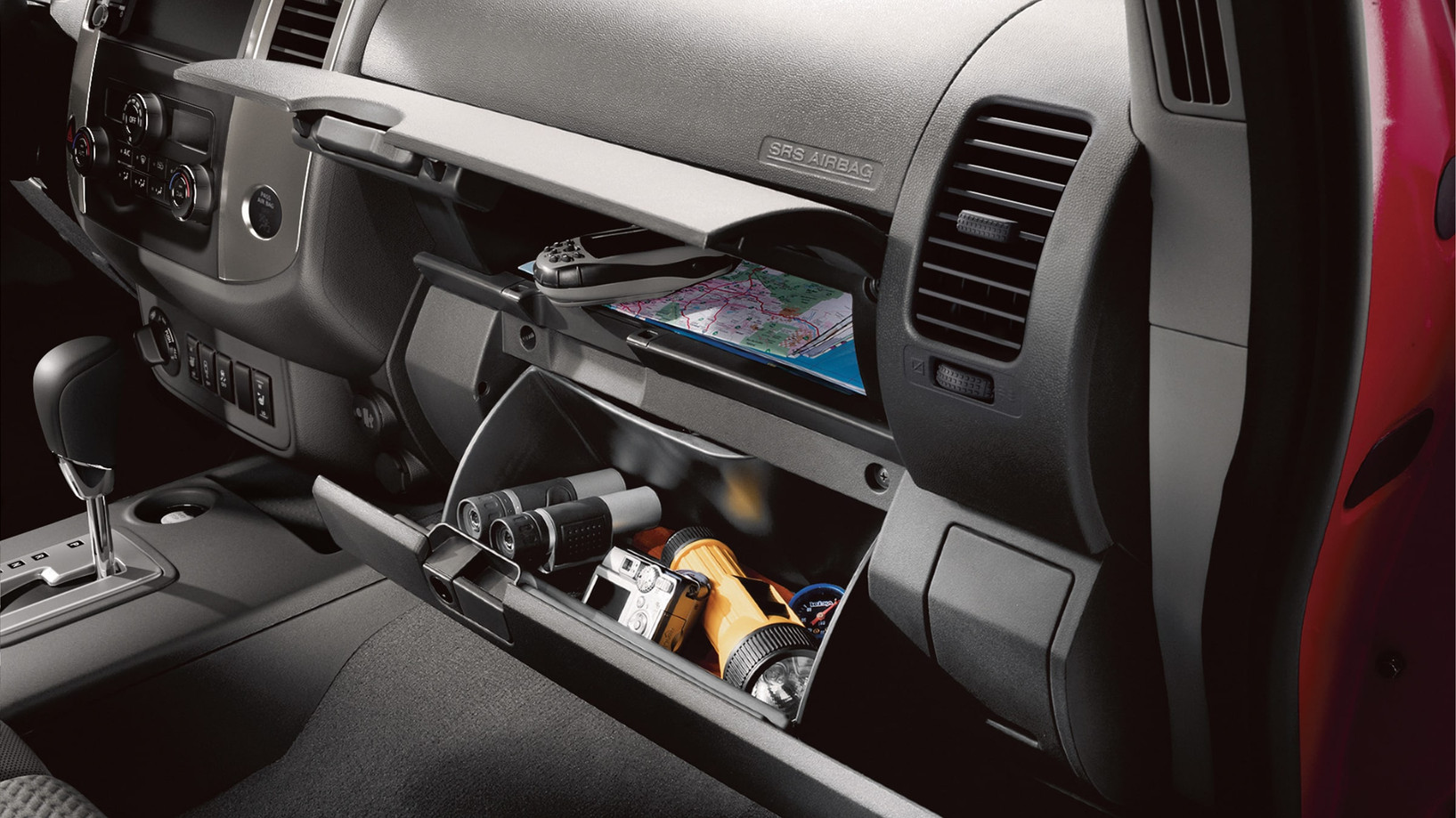 2020-frontier-glove-compartment-20tdipac