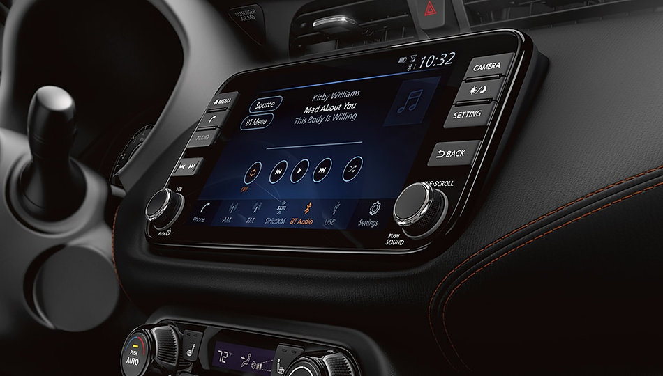 nissan-kicks-touchscreen-display-1.jpg