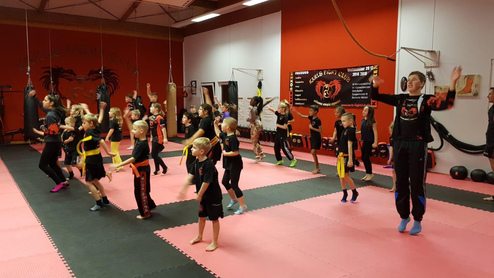 Kickbox-Kindertraining von 7 bis 11 Jahre
