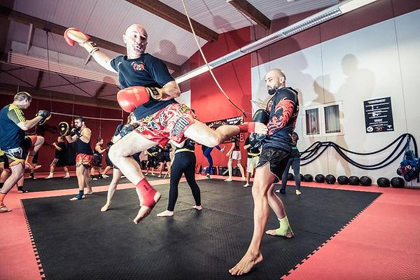 Kickboxen Freiburg bei Karls Fightclub, Kinder, Jugendliche und Erwachsene.