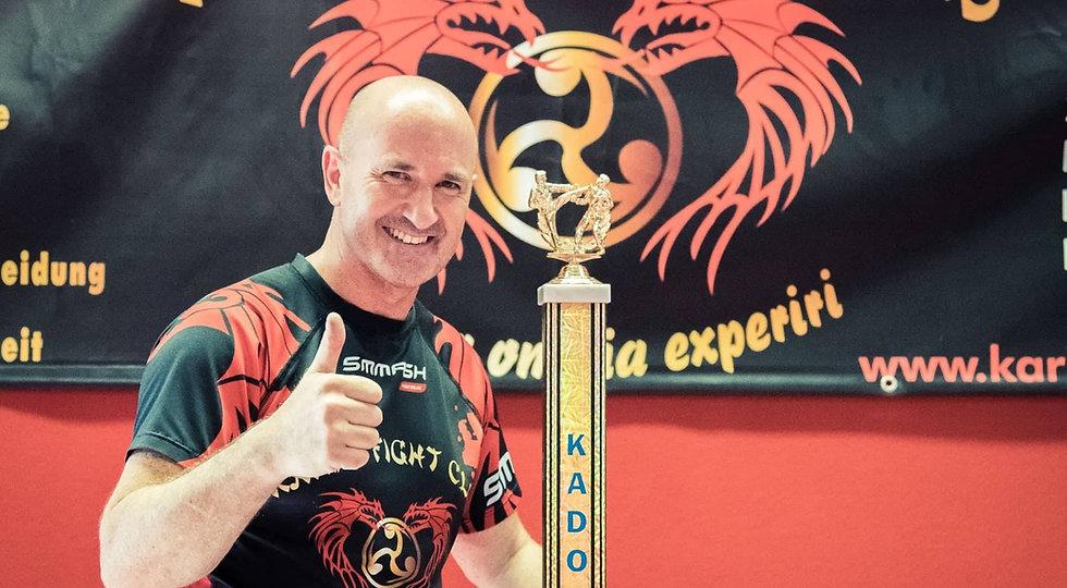 Karl Jawhari, Bundestrainer im Bereich Kickboxen in Freiburg, für Kinder und Erwachsene.