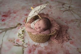 Shooting bébé avec accessoires et mises en scène