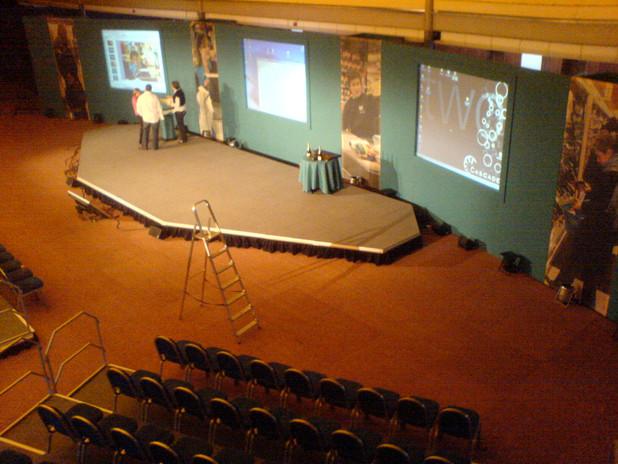 Low Presentation Stage