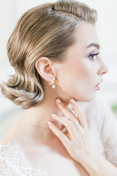 Bijoux mariée - Boucles Gabriela - Fleurs d'orchidée plaqué or 14K et perle de culture