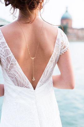 Bijoux mariée - Bijou de dos mariée - Meghan - bohème chic plaqué or 14K et perles