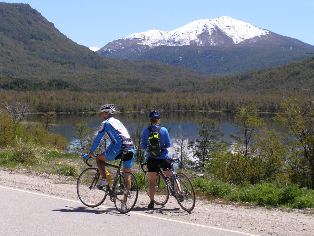 Road-Cycling-Chile-Amity-Tours01