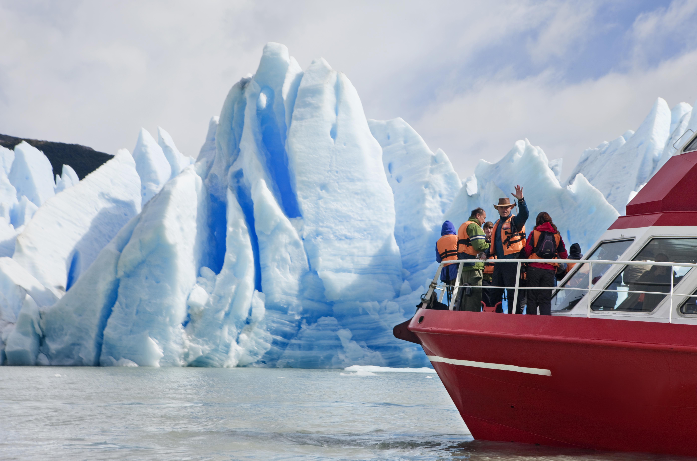 Torres del Paine-Lago Grey