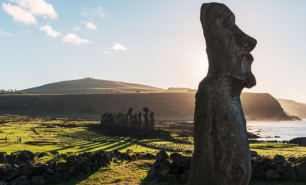 Moai - Isla de Pascua.jpg