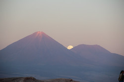volcano-991347_1920