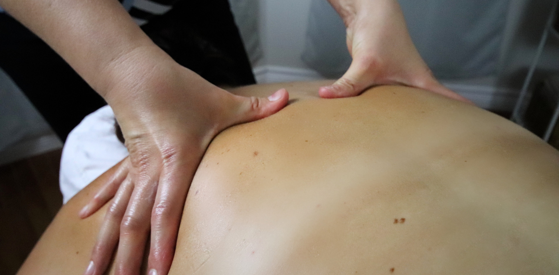 Mary-Ellen Rozon - massage3.jpg
