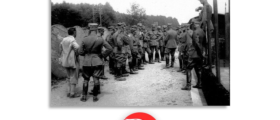 Soldati in riunione anno 1928 c.a.