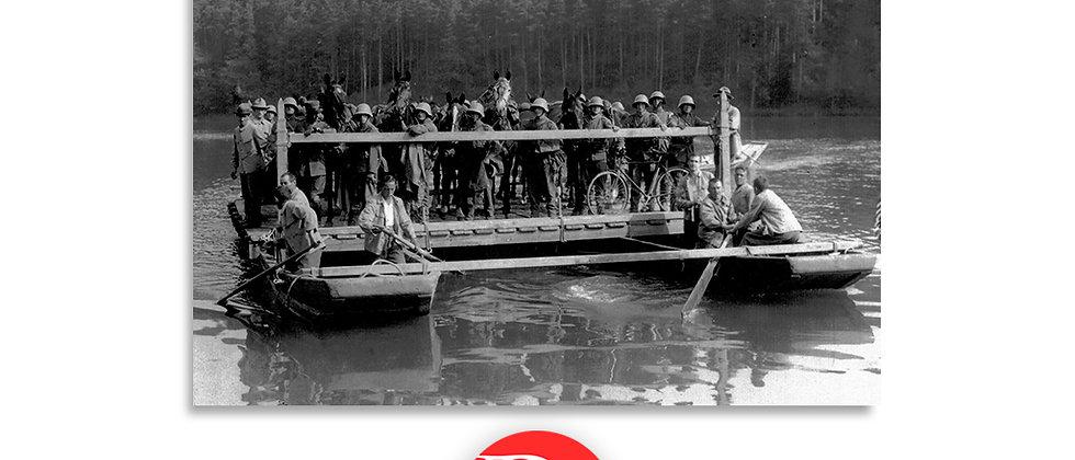 Soldati a bordo di una zattera, foto di gruppo anno 1928 c.a.