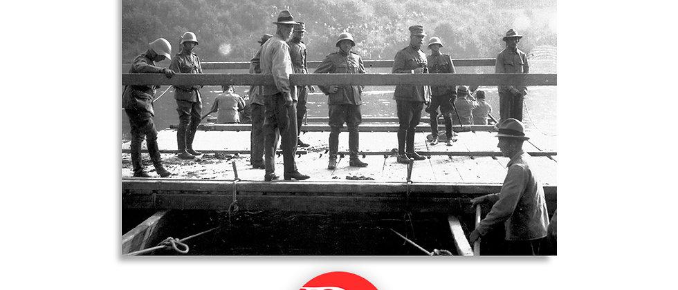 Soldati a bordo di una zattera anno 1928 c.a.