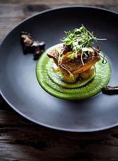 assiette-gastronomique-purée-verte-et-re