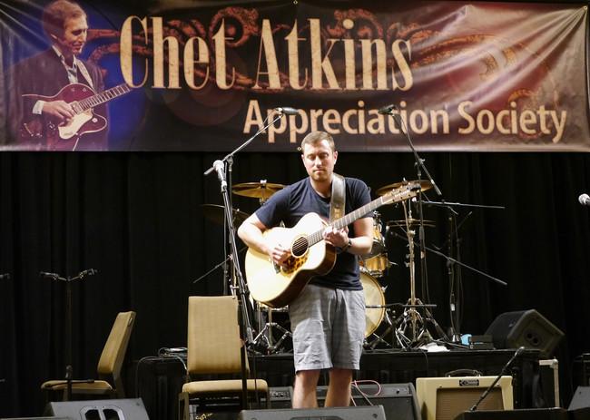 Dan playing on main CAAS stage 2015.jpg