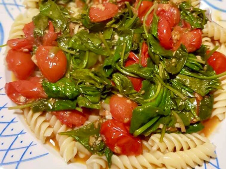 Wilted Spinach and Tomato Pasta
