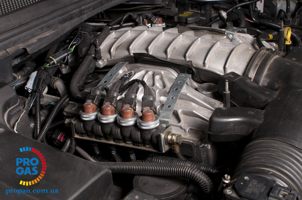 range-rover-sport-4.2-supercharged_vialle_eng-compartment