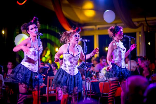 SKYCITY Ball Viva le Cirque  - 09.jpg