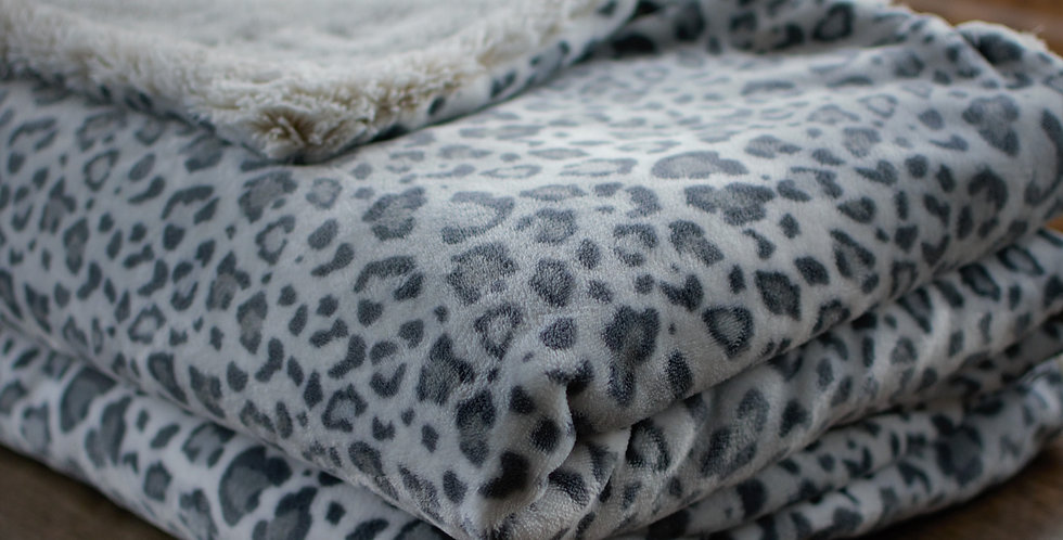 Light Gray Cheetah Lush Cozy
