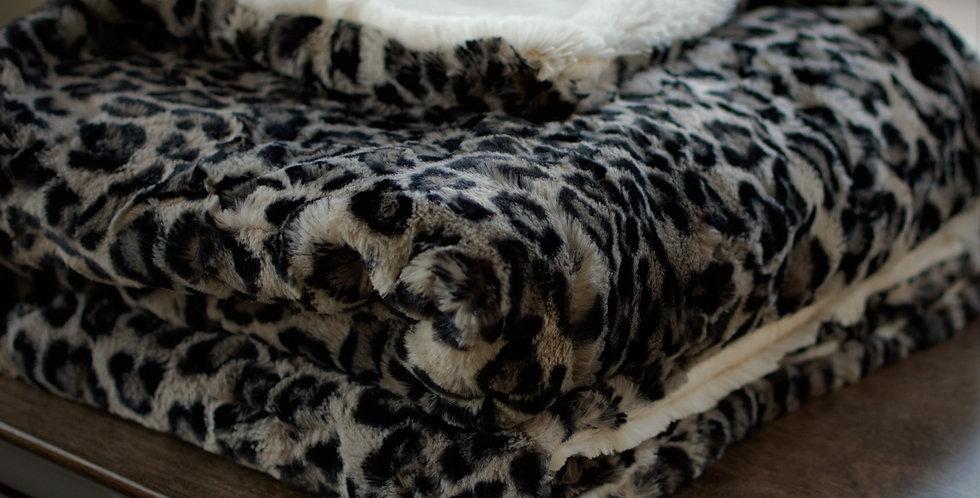 Dark Gray Leopard Lush Cozy