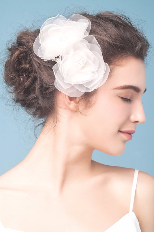 Lillie ǀ Tulle Flower Headpiece