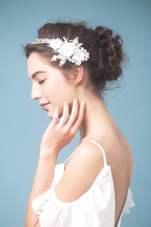 Colette ǀ Whimsy Floral Headpiece