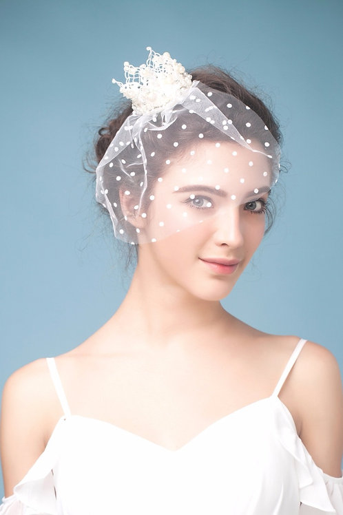 Charlie ǀ Pearl Crown Fascinator