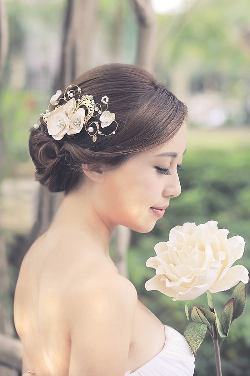 Ginny ǀ Exquisite Ivory Hair Comb