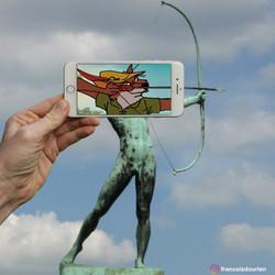 Robin des bois statue arc copie