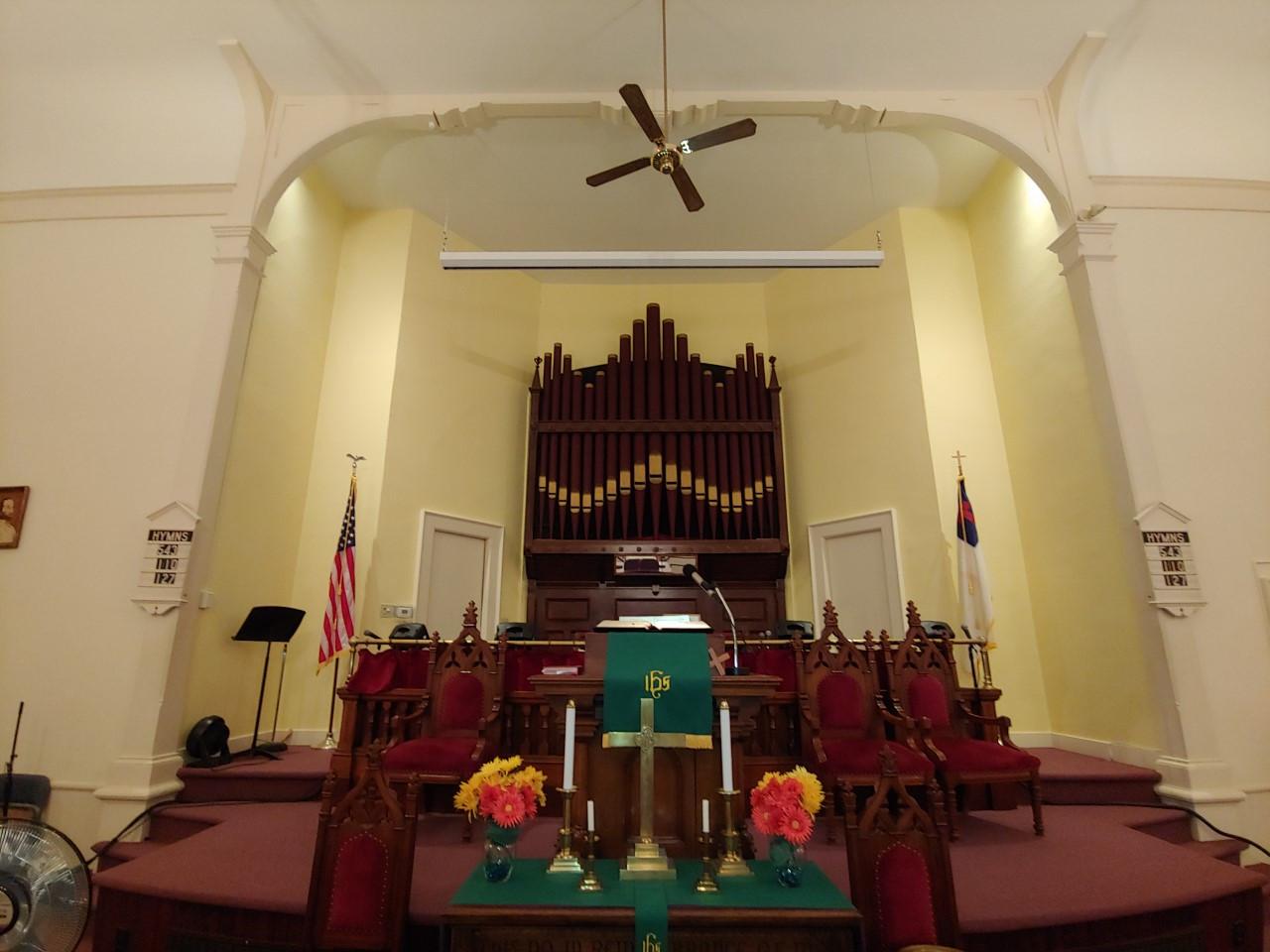 Sanctuary with organ.jpg