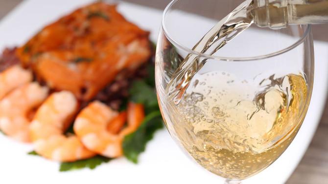 Harmonização entre peixes e vinho: uma experiência gastronômica inesquecível