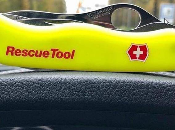 Victorinox Rescue tool.jpg