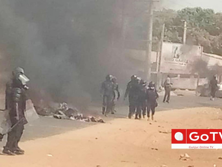 Breaking: Kombo Sanyang in flames as natives clash with Senegalese folks as one dies